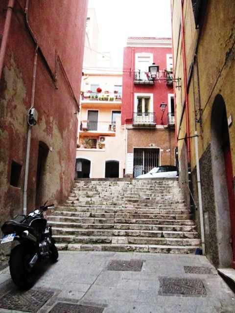 Cagliari: quartiere la marina